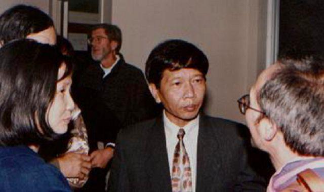 Nhà văn Nguyễn Huy Thiệp nói chuyện ở Đại học Berkeley tháng 10/1998