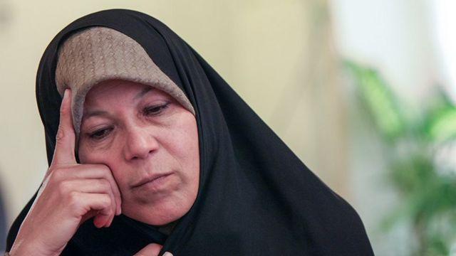 """فائزه هاشمی گفته """"حکومت ایران دچار فروپاشی شده است و تنها ظاهر آن باقی مانده است"""""""