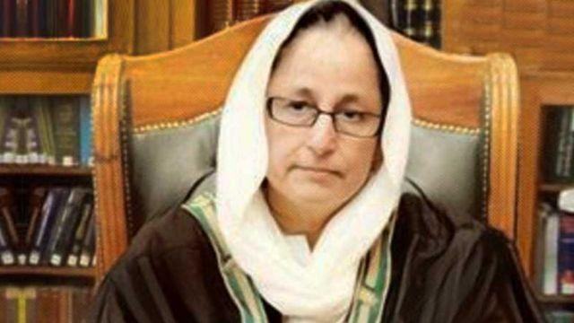 Tahira Safdar waa gabadhii ugu horraysay ee xaakimka ugu sarreeya ka noqota Pakistan