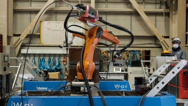 Shimizu présente son robot de construction, Robo-Welder