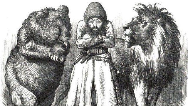 تصویر امیر شیرعلی در میان شیر و خرس