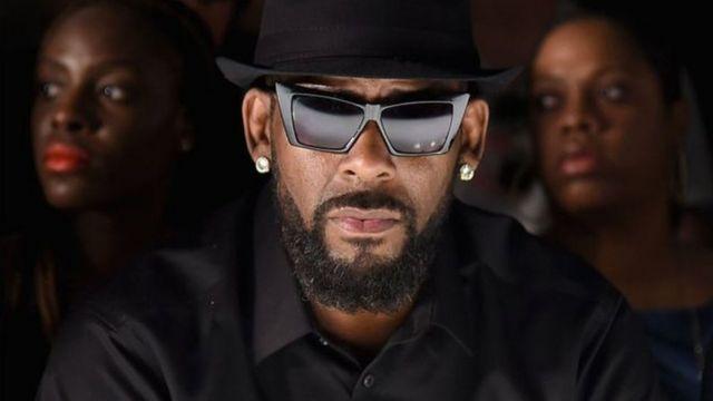 R Kelly umuririmvyi w'indirimbo zo mu bwoko bwa R&B avuga ko yera