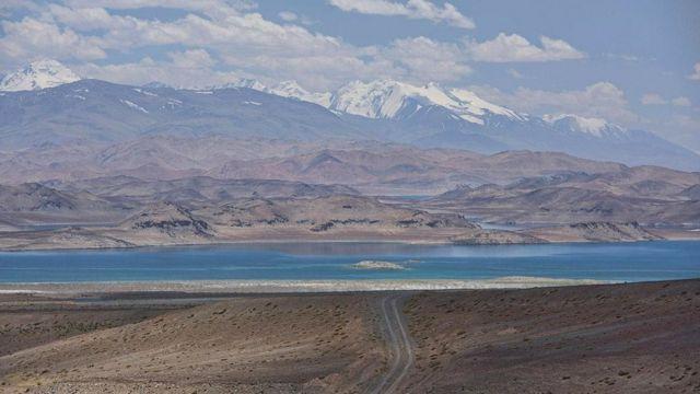 कराकुल झील, मृत झील, पामीर के पठार, दुनिया की छत