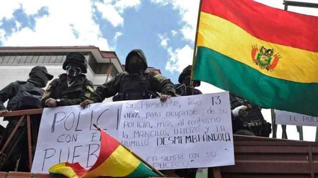 Protesta de policías en La Paz.