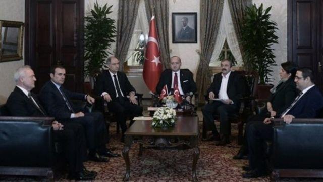 AKP ve HDP'nin 28 Şubat 2015'te birlikte açıkladıkları Dolmabahçe Mutabakatı