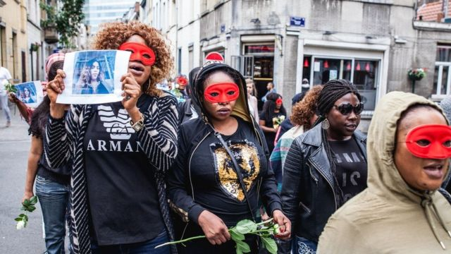 参加游行的女性(photo:BBC)