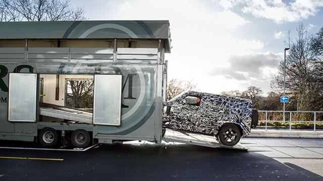 عکسی از مدل استتار شده دیفندر که در سال ۲۰۱۹ رونمایی میشود