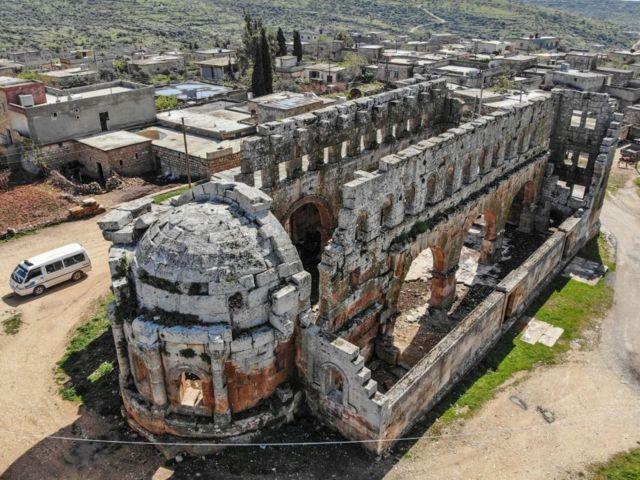 كنيسة قلب لوزة