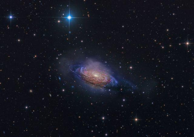 'NGC 3521, 신비스러운 은하계'