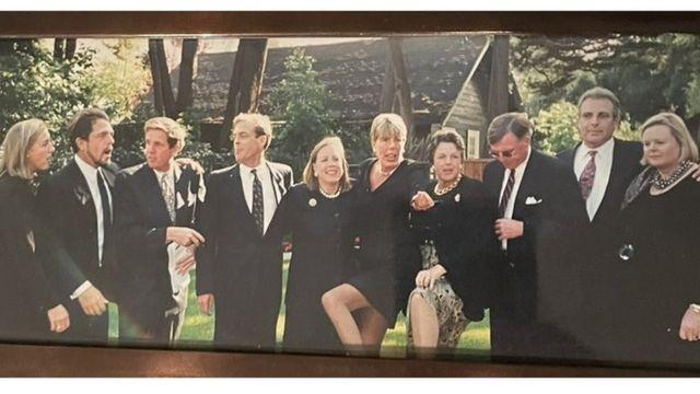 Os dez filhos de Ann, em ordem de idade (direita para a esquerda)