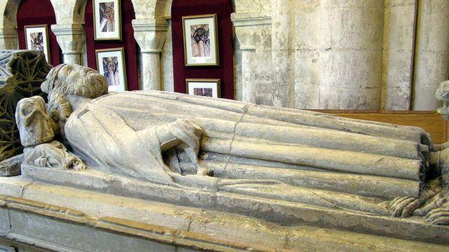 Надгробие короля Этельстана