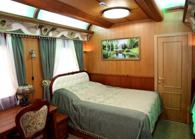 Царские интерьеры: вагон-салон от Укрзализныци - BBC News Україна