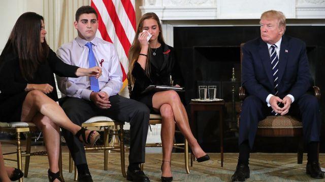 Президент Трамп встретился со школьниками из Марджори Стоунман Дуглас и их родителями