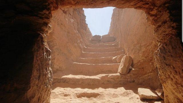 Вхід у гробницю