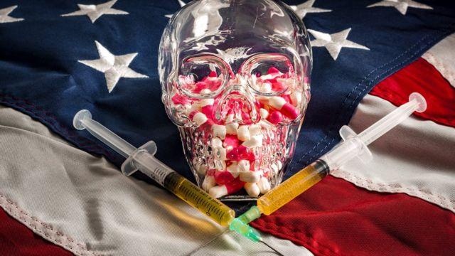 Opiodes con bandera de EE.UU.
