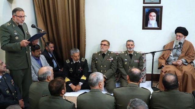 جلسه خامنه ای با فرماندهان ارتش