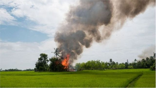 ရခိုင်မြောက်ပိုင်းက စစ်ဆင်ရေးတွေမှာ ရိုဟင်ဂျာတွေ အပေါ် ရက်ရက်စက်စက် နှိမ်နင်းခဲ့ပြီး ရွာလုံးကျွတ် မီးရှို့ခဲ့တယ်လို့ စွပ်စွဲခံရ
