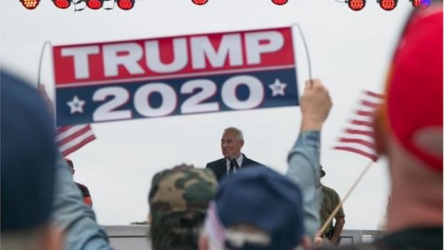 Ông Stone đã làm việc cho các chiến dịch chính trị của đảng Cộng hòa từ những năm 1970