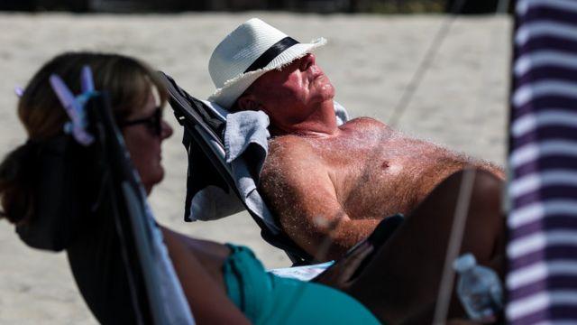 英気象庁は国民に対し、これからの時期、日光を避けるよう警告している