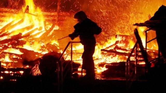 По некоторым сведениям, пожарная сигнализация не сработала
