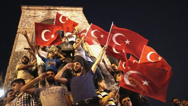 مظاهرات ضد محاولة الانقلاب في تركيا