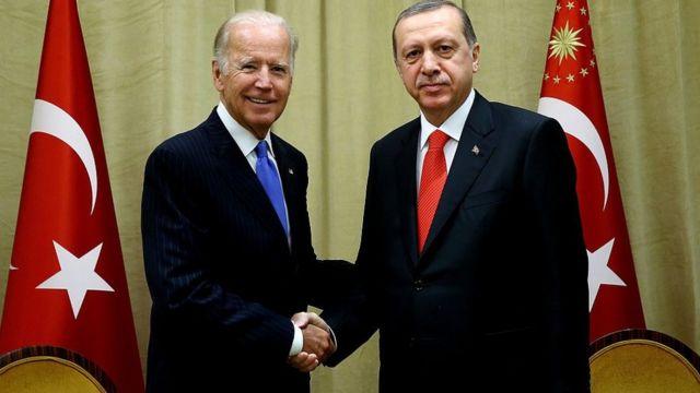 أردوغان (يمين) وبايدن. صورة أرشيفية