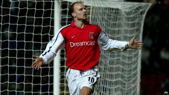 Dennis Bergkamp atsinda Newcastle