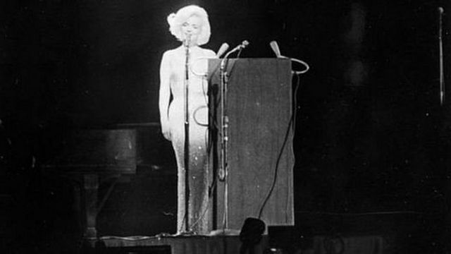 हॉलीवुड की मशहूर अदाकारा मर्लिन मुनरो