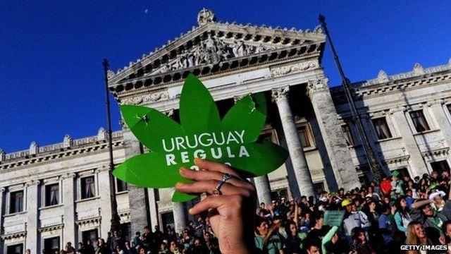 Manifestación a favor de la legalización de la marihuana en Uruguay en 2013.