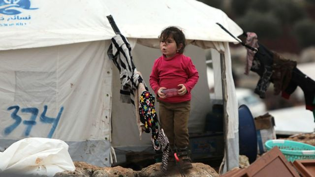 المعارك في سوريا تسببت في نزوح مئات الآلاف منذ ديسمبر/كانون الأول