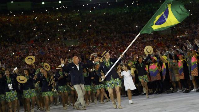 Vert, jaune et bleu : les athlètes brésiliennes ont porté des tenues aux couleurs de leur drapeau.