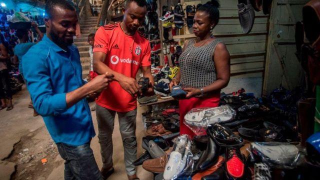 Les commerçants au marché Aba