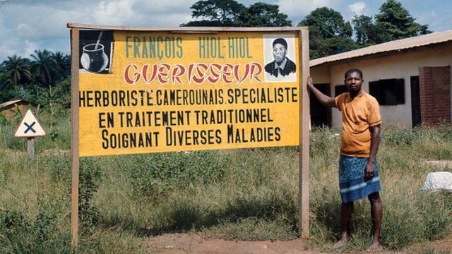 Le coût des prestations dans les centres de santé publics ont conduit beaucoup d'Africains à se tourner vers les tradipraticiens