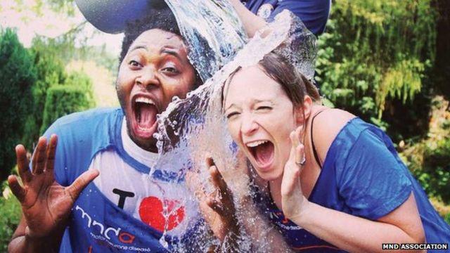 英国ではアイス・バケツ・チャレンジによって約700万ポンド(約10億円)が集まった