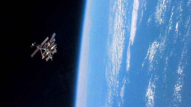 """Сегодня самые долгие космические миссии (например, на орбитальной станции """"Мир"""") исчисляются месяцами"""