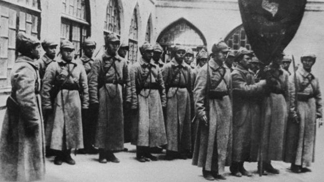 Бойцы 13-го стрелкового корпуса