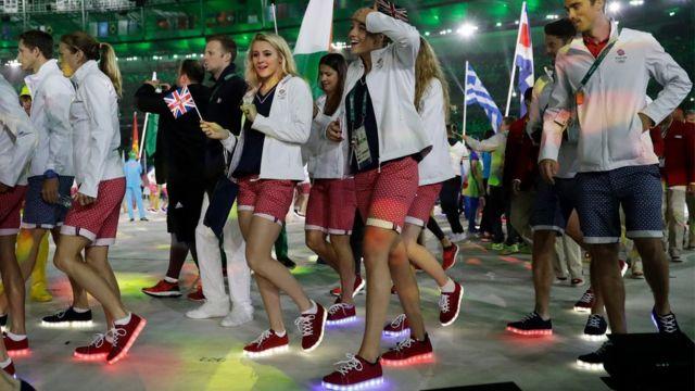Delegación de Reino Unido en el Maracaná.