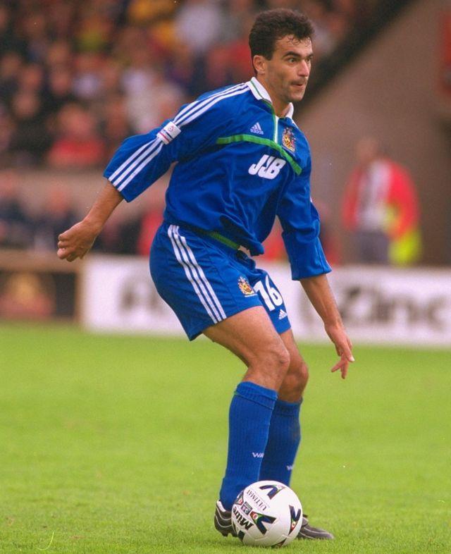 Martínez estuvo con el Real Zaragoza en España antes de llegar al fútbol inglés con el Wigan.