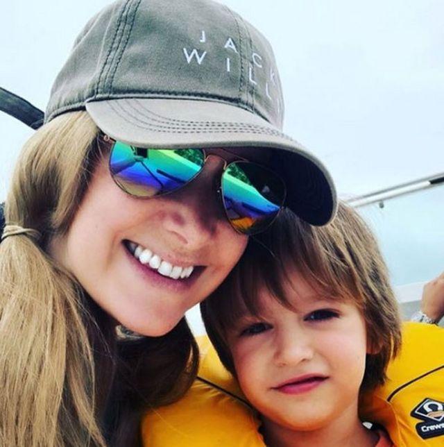 Рэйчел Блэнд с сыном Фредди