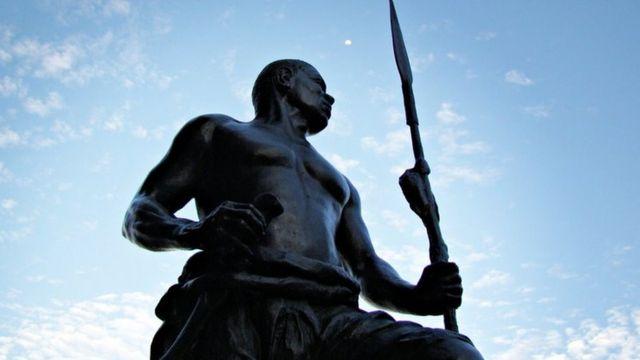 Estátua de Zumbi