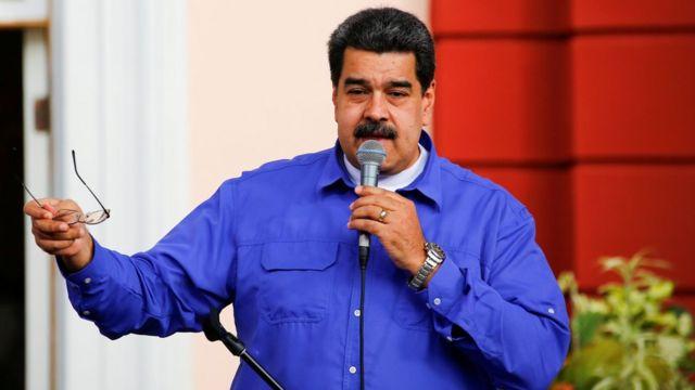 O presidente da Venezuela, Maduro, fala durante um comício no Dia dos Estudantes Universitários, em Caracas