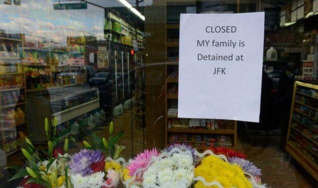 إضراب تجار بقالة يمنيين في نيويورك احتجاجا على قرار ترامب لحظر السفر