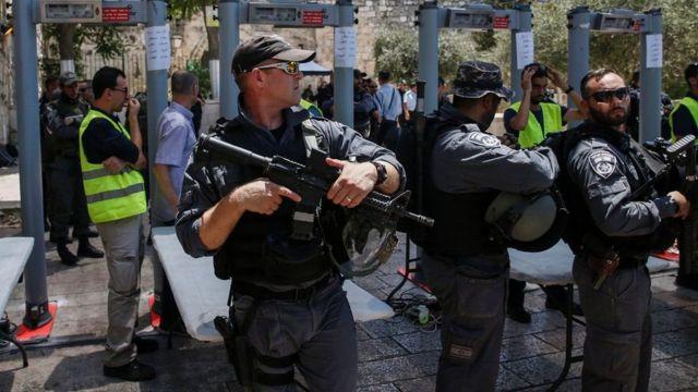 انتشار قوات إسرائيلية في محيط المسجد الأقصى تشرف على البوابات الإلكترونية