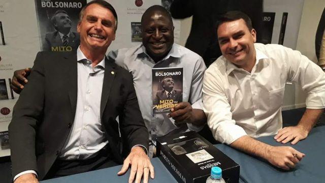 Jair Bolsonaro, Hélio Lopes e Flavio Bolsonaro