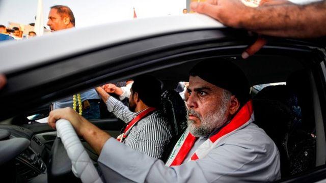 Mukteda Sadr, 20 Ekim'de Necef'teki protestocuların arasına katıldı
