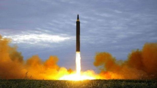 ژاپن عبور موشک بالستیک کره شمالی از آسمان این کشور را 'تهدیدی بیسابقه' خوانده بود