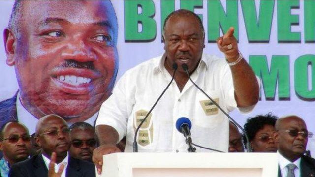 Ali Bongo lors d'un meeting de campagne