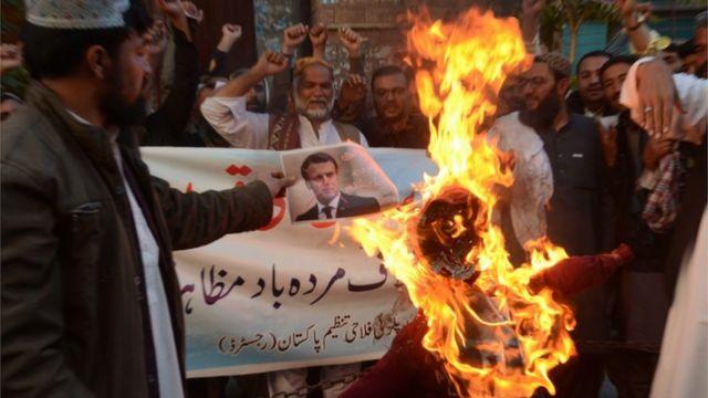 Protesta contra Macron en Pakistán