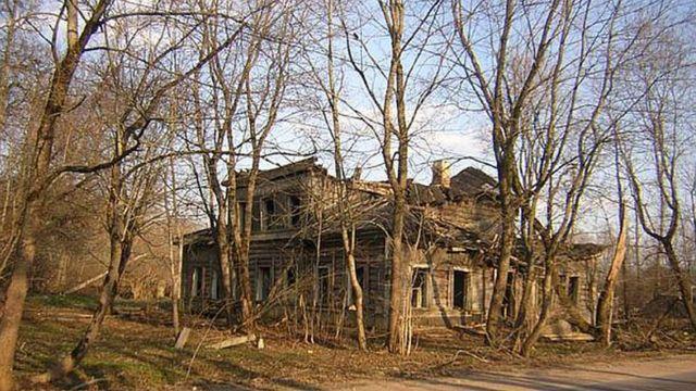 Бывший дом семьи Виленкиных в семье Остроговицы под Петербургом