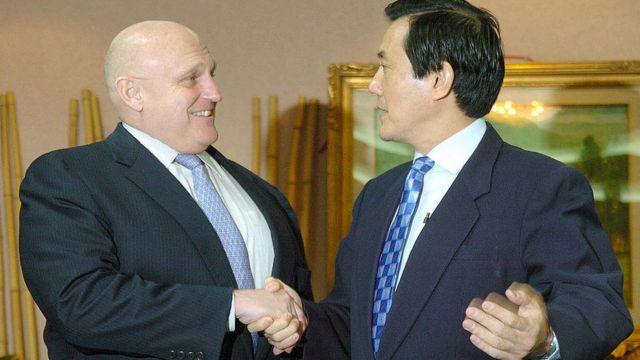 Cựu thứ trưởng Ngoại giao Richard Armitage từ lâu có quan hệ gần gũi với Đài Loan